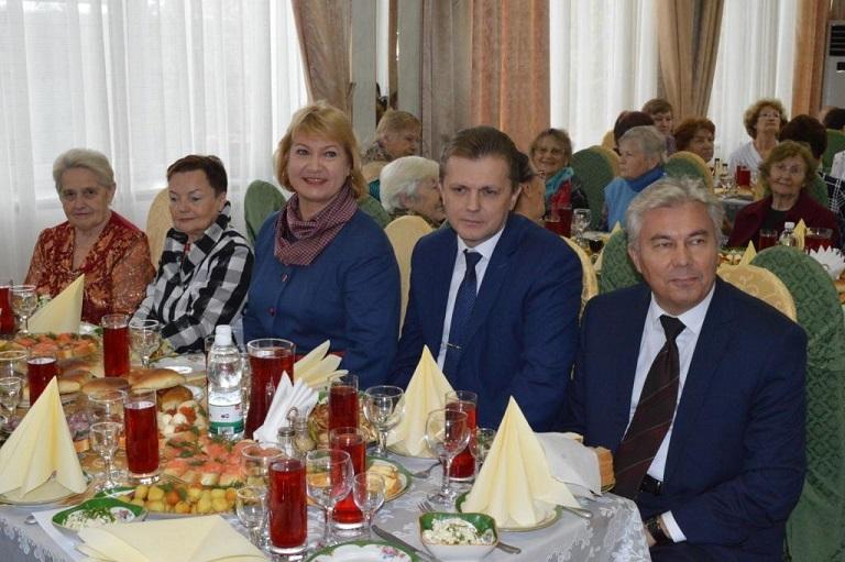 Александр Тихонов принял участие в городском вечере ветеранов