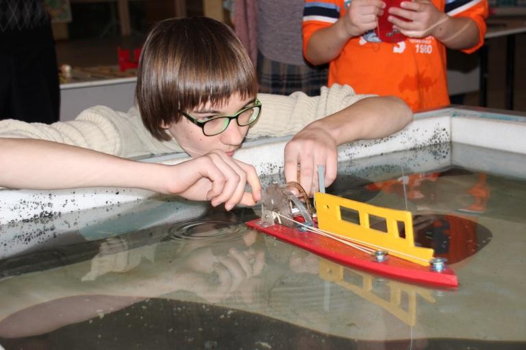 Юные моделисты-кораблестроители