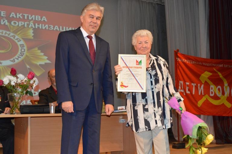 Журналисту и общественному деятелю глава города вручил награду