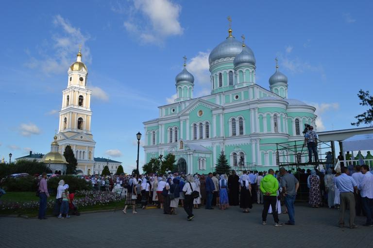 День прославления преподобного Серафима Саровского