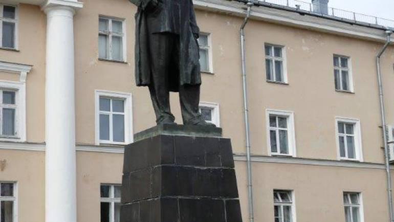 Памятник А.М. Горькому