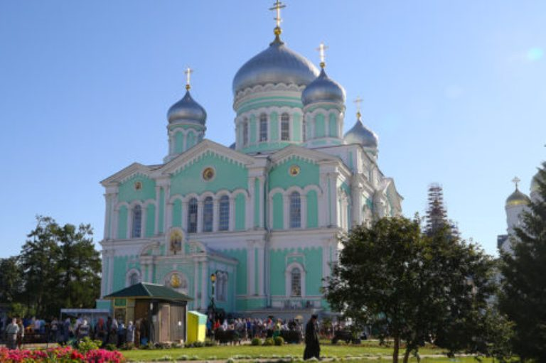 Прославление Серафима Саровского