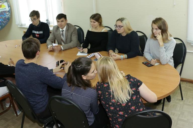 Размышления, доводы, споры. Антон Ульянов на занятиях в школе «Лидер»