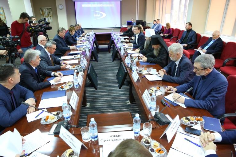 Глеб Никитин принял участие в заседании духовно-научного центра в Сарове