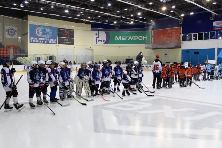 Хоккейный турнир среди юношей