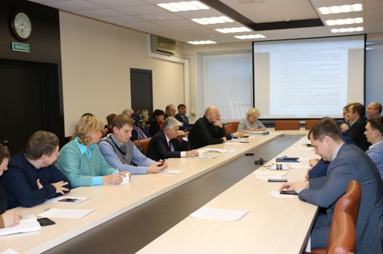 Заседание планово-бюджетного комитета: экспертиза поправок депутатов