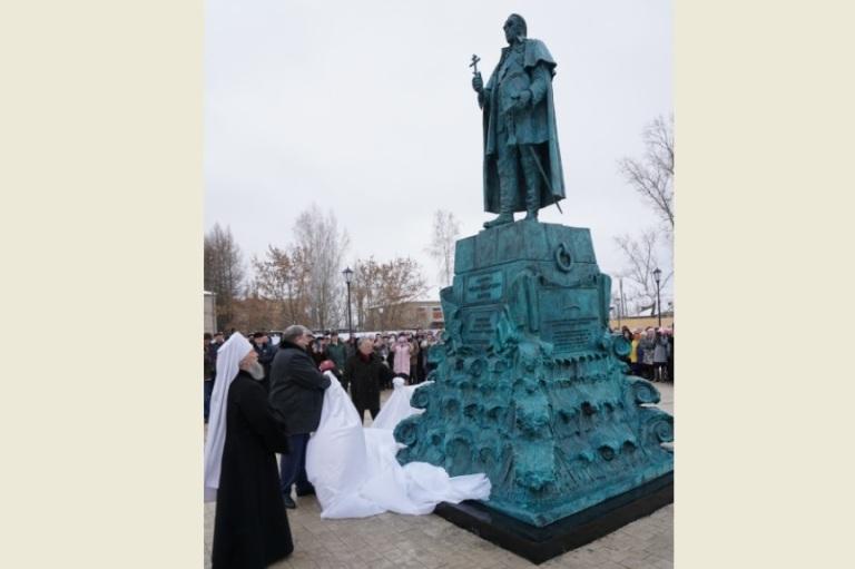 Памятник адмиралу Федору Ушакову