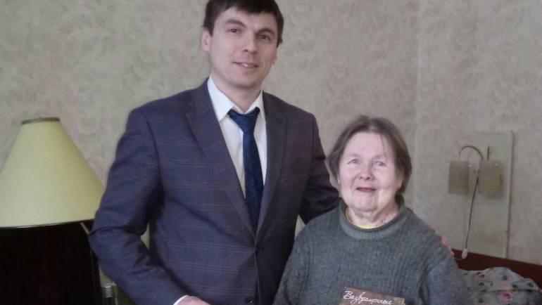 Ветераны-жители и защитники блокадного Ленинграда получили награды