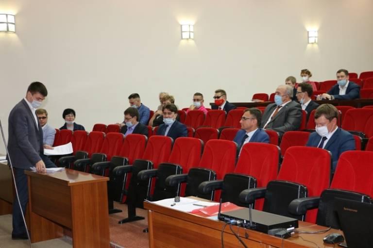 Первое заседание гордумы седьмого созыва. Идет подготовка