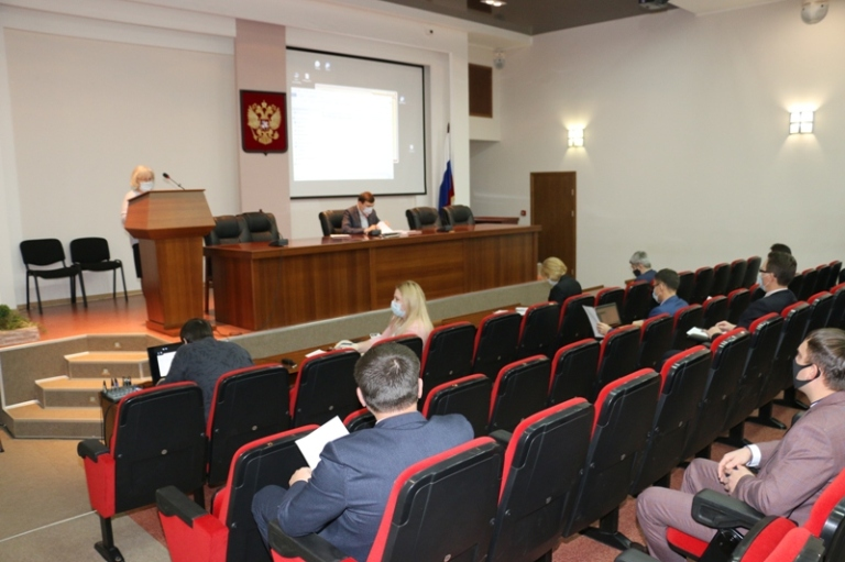 Обсуждение поправок депутатов