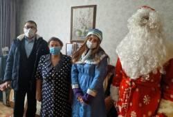 Депутаты поздравляют саровчан