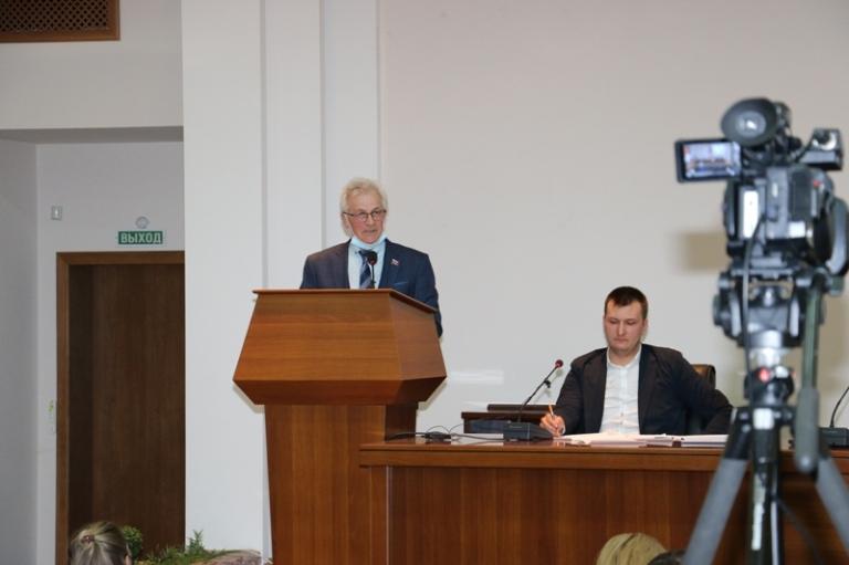 Депутаты обсудили безопасность на дорогах и ситуацию с вывозом ТКО