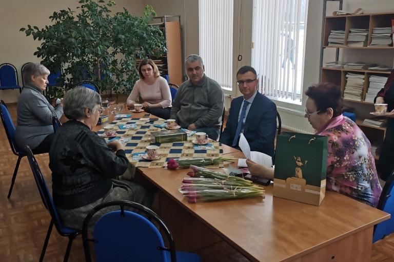 Депутаты встречаются с ветеранами