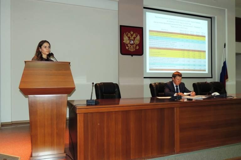 Депутаты обсудили работу бань, аптеки и строительство дорог